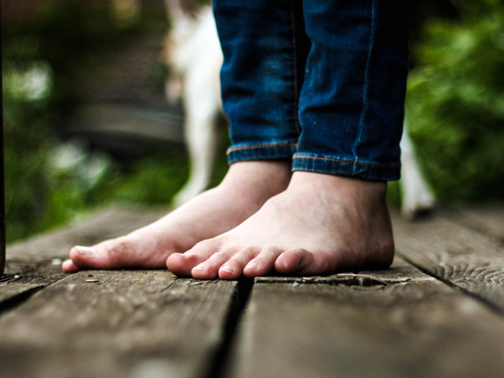 Pain in Arch of Foot: Causes, Stretches, Treatment, Recovery