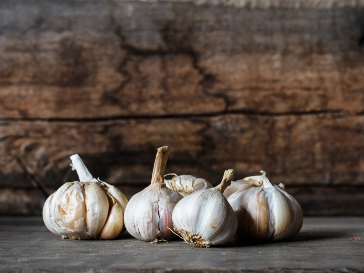 Garlic for Acne: How Many Cloves a Day Keep Dermatologists Away?