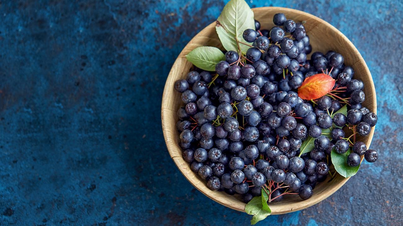 Aronia Berries (Chokeberries): Nutrition, Benefits, and More