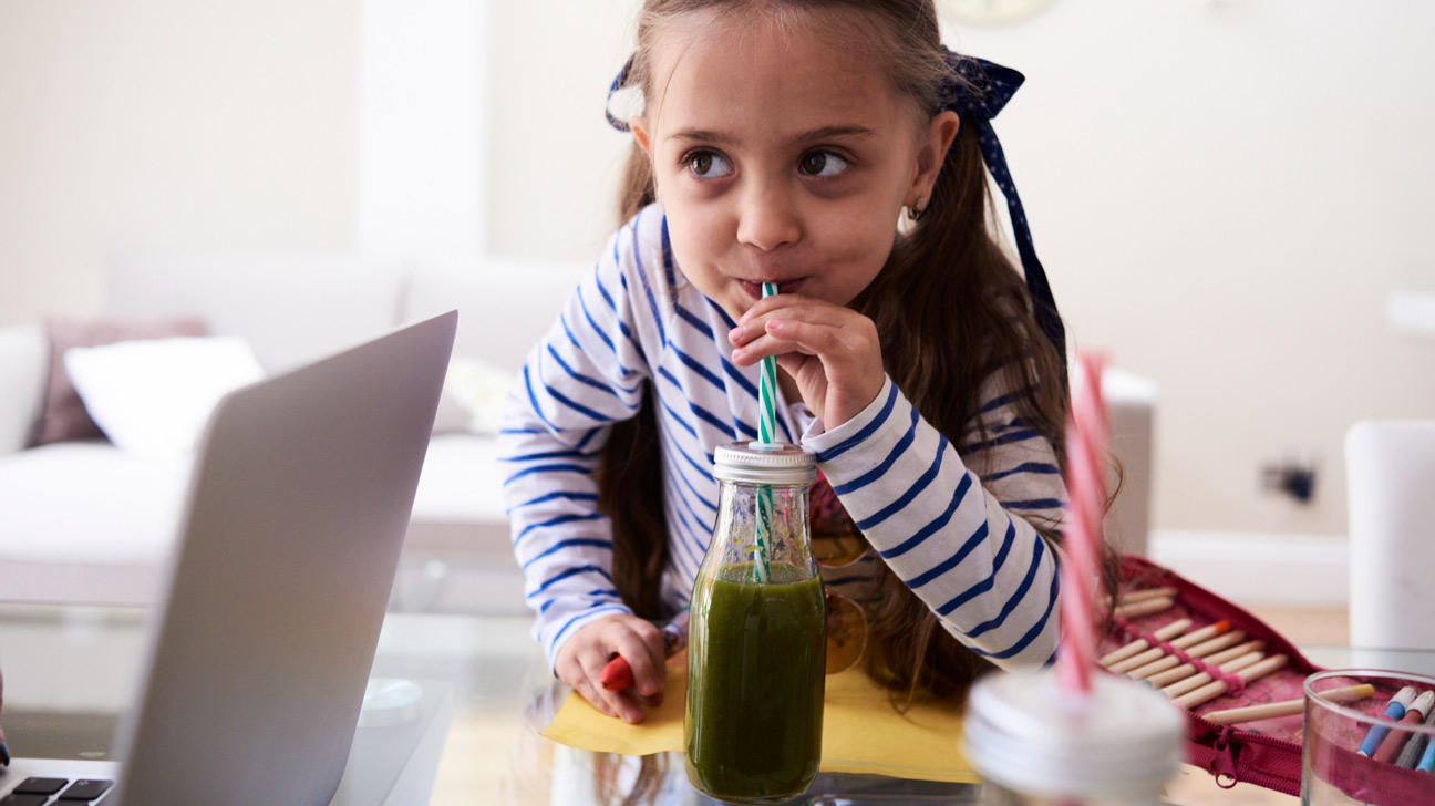 7 Healthy Drinks for Kids (And 3 Unhealthy Ones)