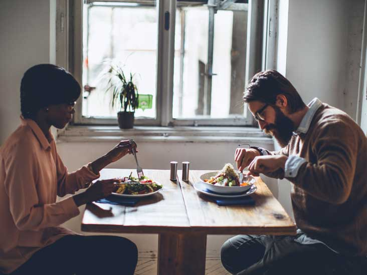 20 clever tips to eat healthy when eating out