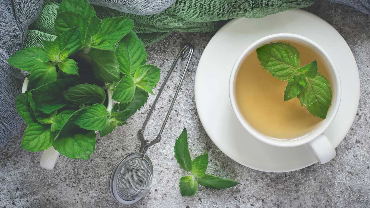 12 Science-Backed Benefits of Peppermint Tea and Extracts