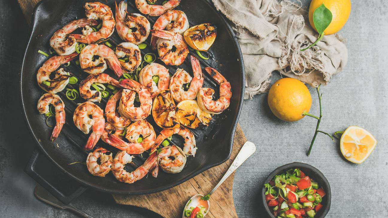 Prawns vs Shrimp: What\'s the Difference?