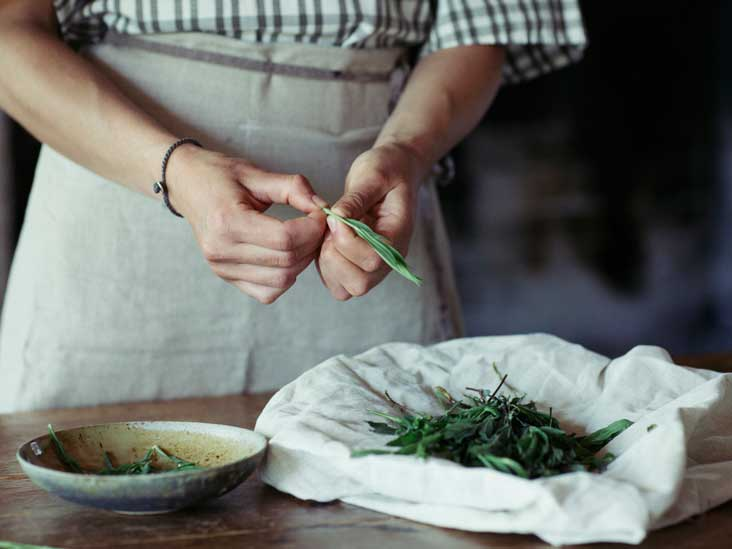 8 surprising benefits and uses of tarragon