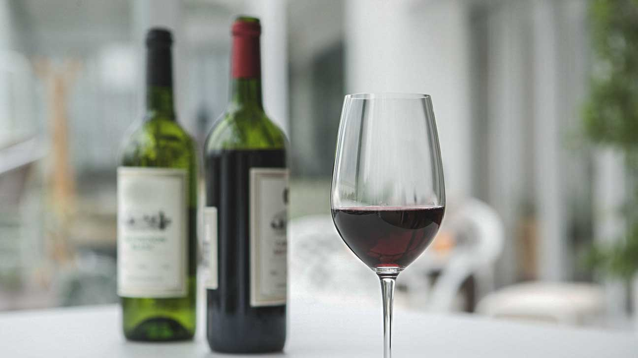 red wine polyphenols teeth healthy
