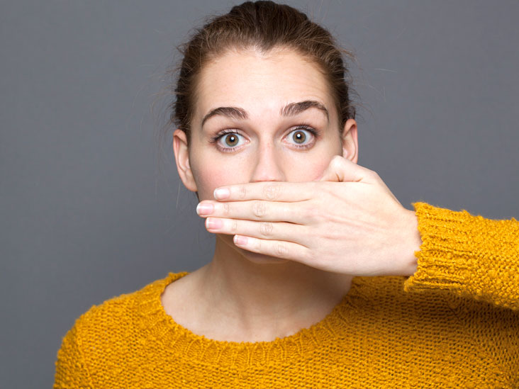 Breath Smells Like Urine: 5 Possible Causes