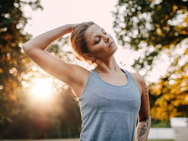 Neck Cracking: Benefits and Risks