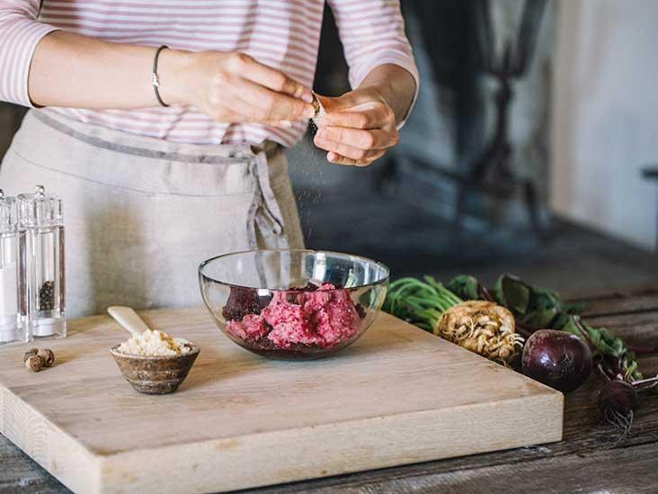 8 Science-Backed Benefits of Nutmeg