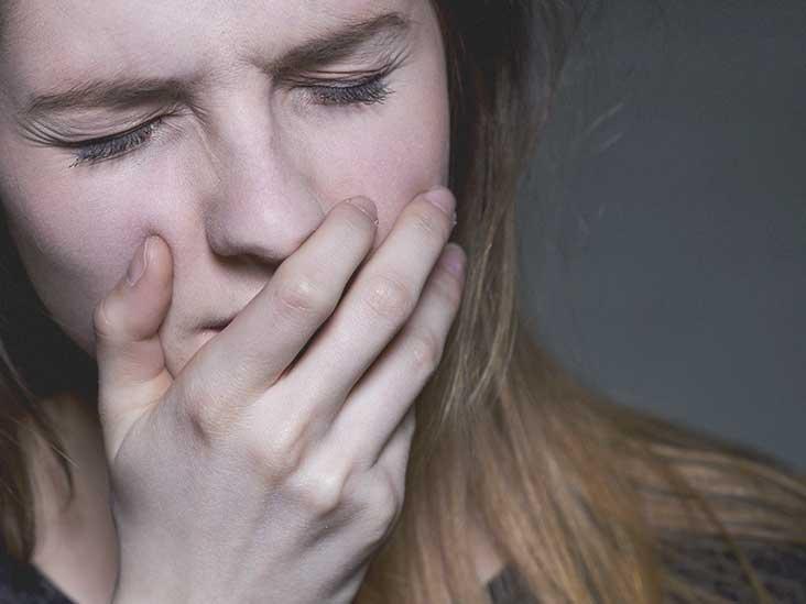 Tongue Burn: Causes, Risk Factors, and Symptoms