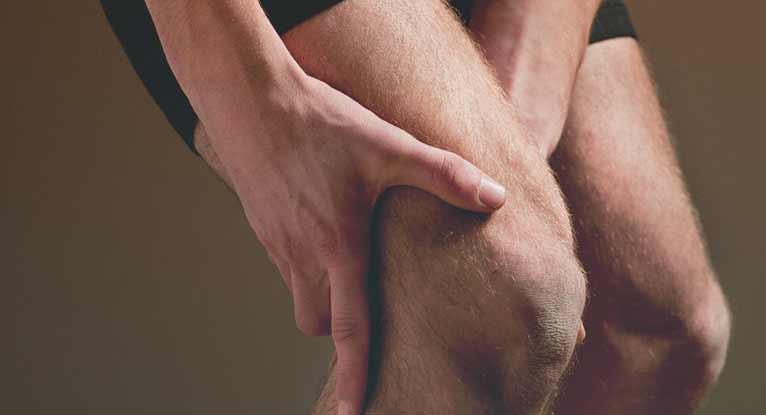 Superficial Thrombophlebitis: Risk Factors, Symptoms, and