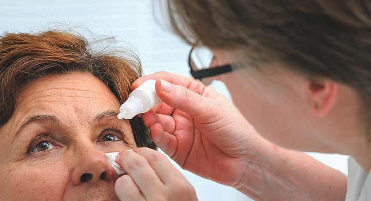 Eye Makeup and Dry Eyes: The Inside Scoop
