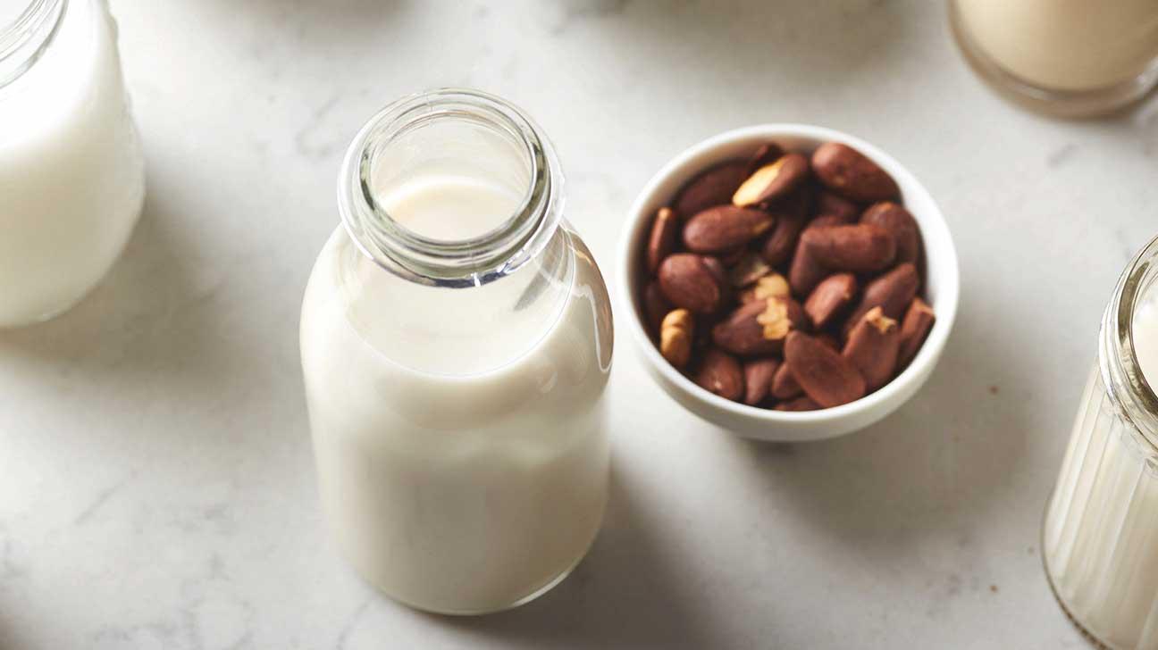 Almond Milk Vs Cow S Milk Vs Soy Milk Vs Rice Milk