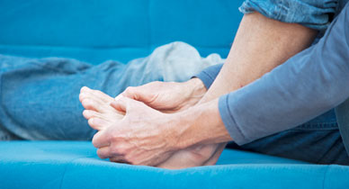 Gout Treatments: Traditional vs  Alternative Methods