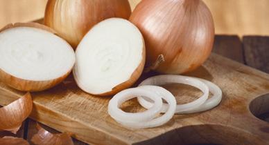 9 Impressive Health Benefits of Onions