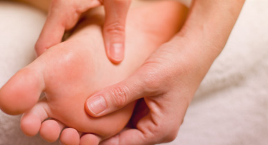 Home Remedies for Athlete\'s Foot: How to Relieve Symptoms